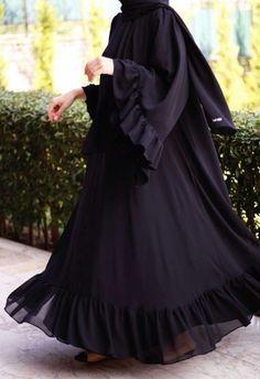 Abaya Style 137641332347235379 - Source by yetenekmeselesi Burka Fashion, Modest Fashion Hijab, Iranian Women Fashion, Modern Hijab Fashion, Frock Fashion, Arab Fashion, Muslim Fashion, Abaya Mode, Classy Outfits