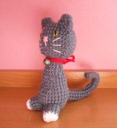 Gatito gris. *El diseño original es un patrón de Amy Gaines.