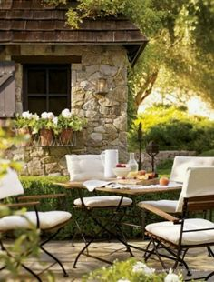 Countryside French Provincial outdoor dining on the backyard patio - So Gorgeous!!!