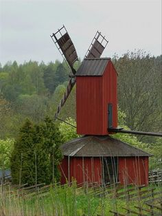 Windmill barn in Finland Tilting At Windmills, Old Windmills, Country Barns, Old Barns, Helsinki, Vive Le Vent, Water Tower, Le Moulin, Covered Bridges