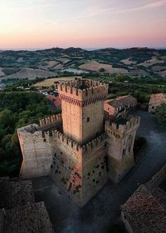 Rocca di Offagna 🇮🇹