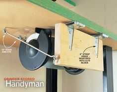 Small Workshop Storage Solutions Swing up grinder… a great idea for the tools you don't use every day. Small Workshop Storage Solutions Swing up grinder… a great idea for the tools you don't use every day. Garage Tools, Garage Shop, Diy Garage, Garage Workbench, Workbench Plans, Folding Workbench, Garage Organization, Garage Storage, Lumber Storage