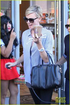 07e0fd789be Charlize Theron wearing Tom Ford sunglasses Tom Ford Sunglasses