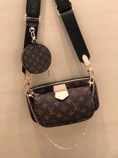 Accessoires Louis Vuitton, Pochette Louis Vuitton, Louis Vuitton Handbags, Louis Vuitton Monogram, Lv Crossbody Bag, Louis Vuitton Designer, Designer Handbags, Louise Vuitton, Applis Photo
