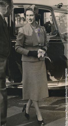 DATE:September 29 1951 D:Princess Margaret left London Airport to Balmoral Castle,Scotland /original photo Captain Peter Townsend, Charlize Theron Style, Margaret Rose, House Of Windsor, Ex Wives, Royal House, King George, Queen Elizabeth Ii, Duchess Of Cambridge