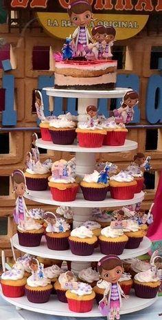 Torta y Cupcakes Doctora Juguetes