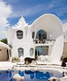 Amazing Airbnb in islas mujeres. Would love to meet this Airbnb host ! Places To Travel, Places To See, Travel Destinations, Beautiful Buildings, Beautiful Places, Unusual Buildings, Beautiful Homes, Airbnb Rentals, Vacation Rentals