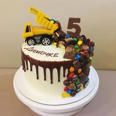 Trendy truck cake for boys ideas - Desserts Dump Truck Cakes, Truck Birthday Cakes, Birthday Cake Kids Boys, Drip Cakes, Chocolate Party, Cake Chocolate, Cakes For Boys, Easy Cakes For Kids, Savoury Cake