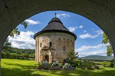 Slovensko môže mať vďaka chrámom na Gemeri a v Malohonte prestížnu značku - SME   MY Novohrad Mansions, House Styles, Home, Decor, Decoration, Manor Houses, Villas, Ad Home, Mansion