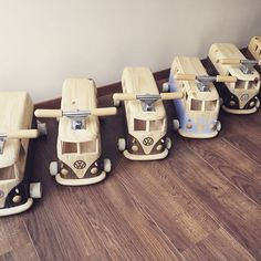 Woodworking Workshop, Woodworking Projects Diy, Wooden Projects, Diy Projects, Handmade Wooden Toys, Wood Toys, Hobbies And Crafts, Baby Toys, Activities For Kids