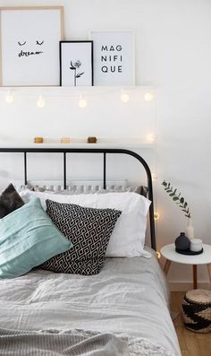 white scandinavian bedroom decor idea