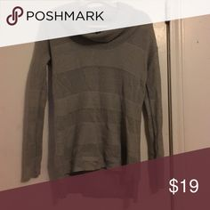 Gap Cowl Neck Sweater XS In excellent condition. Worn once GAP Sweaters Cowl & Turtlenecks
