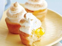 Mini Lemon Meringue Tarts - Thanksgiving desserts