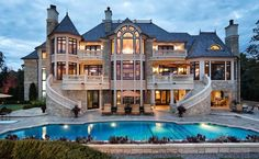 Big Big Pretty House With Access To A Private Beach Would Be