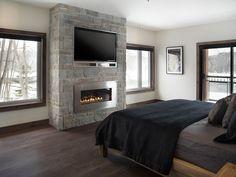 Image result for mur tv et foyer Faux Fireplace, Fireplace Design, Fireplaces, Foyer Mural, Foyer Propane, Master Bedroom Bathroom, Home Cinemas, Home Hacks, Basement Remodeling