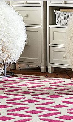 love the pattern on this rug http://rstyle.me/n/eizdenyg6