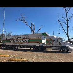 Mobile command semi helping out with hurricane relief in the panhandle Police Truck, Ford Police, Police Cars, Mobile Command Center, Command Centers, Police Vehicles, Emergency Vehicles, Hernando County, Bug Out Vehicle