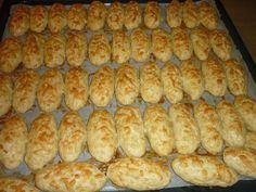 Greek Sweets, Greek Desserts, Greek Recipes, Koulourakia Recipe, Food Network Recipes, Food Processor Recipes, Low Calorie Cake, Greek Cookies, Food Platters