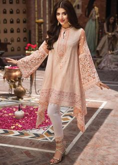 pakistani dresses Anaya by Kiran Chaudhry Embroidered Lawn Unstitched 3 Piece Suit 06 ELENA - Festive Collection Pakistani Dresses Party, Pakistani Fashion Party Wear, Simple Pakistani Dresses, Pakistani Dress Design, Pakistani Outfits, Indian Outfits, Pakistani Clothes Casual, Latest Pakistani Fashion, Dresses For Eid