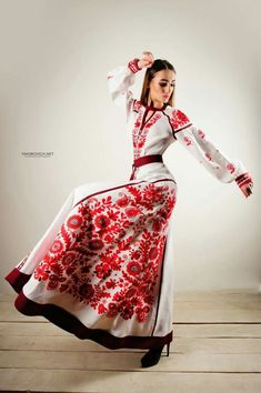 Ukrainian beauty folk fashion