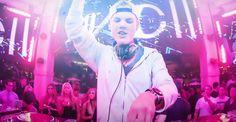 #RMFMAXXX:   Avicii, jeden z najpopularniejszych DJ-ów na świecie, już 15 lipca wystąpi w Gdańsku. Szwedzki artysta zaprezentuje się na Stadionie Energa w ramach Music Power Explosion. Sprzedaż biletów rusza już 8 lutego.