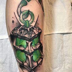 Bear Tattoos, League Of Legends, I Tattoo, Instagram, Tattoo Ideas, Esports, Artworks, Gaming Tattoo, Tattoo Sketches
