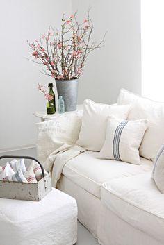 Inspiration in White: ShabbyCouches - lookslikewhite Blog - lookslikewhite