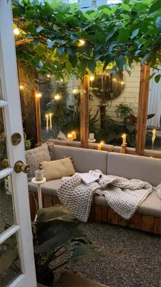 Small Backyard Patio, Small Backyard Design, Backyard Patio Designs, Backyard Ideas, Patio Ideas, Diy Patio, Small Balcony Decor, Balkon Design, Small Space Living