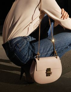 blush Chloe Drew bag #style #fashion #jeans