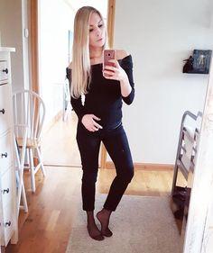 "Gefällt 26 Mal, 1 Kommentare - @nylonselfies auf Instagram: ""#pantyhose#tights#nylon#nylons#hosiery#stockings#hotgirl#amateur#kneehighs#socks#nylonsocks#feet#legs#hose#foot#amateur"""