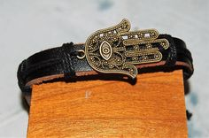 bracelet+homme+/+femme+réglable+cuir+et+médaille+de+bronze+croix++breloque,+amulette,+main+de+fatima