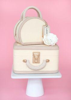 Vintage Luggage Cake  ...♥♥...