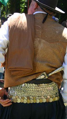 vestimenta de fiesta del gaucho argentino