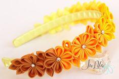 Diadema de flores de tela Kanzashi amarillo. Diadema de la