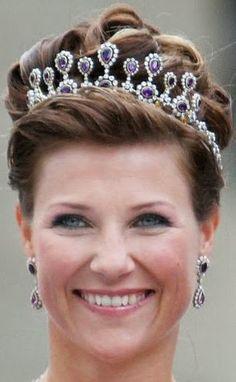 Tiara Mania: Amethyst Necklace Tiara worn by Princess Martha Louise of Norway
