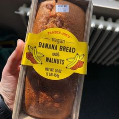 From dairy-free milk to vegan ready meals and plant-based pantry staples, here's the vegan food options you need to try at Trader Joe's. Banana Walnut Bread, Vegan Banana Bread, Banana Bread Recipes, Trader Joes Vegan, Trader Joes Food, Trader Joes Bread, Trader Joe's, Vegan Soups, Vegan Recipes