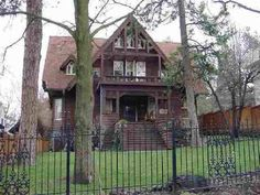 1905 – Spokane, WA – $435,000 | Old House Dreams Victorian Homes Exterior, Victorian Houses, Historic Homes For Sale, Old House Dreams, Large Bedroom, Arts And Crafts Movement, Old Houses, Craftsman, Beautiful Homes