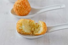 Potato balls are a pretty simple and easy appetizer that's very versatile. These are great if you have leftover mashed potatoes; just add a few ingredients and you have a delectable bite. Veggie Recipes, Snack Recipes, Cooking Recipes, Snacks, Yummy Recipes, Cheddar Potatoes, Leftover Mashed Potatoes, Veggie Side Dishes, Potato Dishes