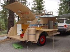 Runner on the side up to the front of the camper... good as a step? Home-built teardrop camper trailer from 1948.