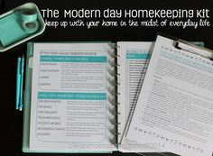 Keep up with your home in the midst of everyday life!  The Clean Mama MODERN DAY HOMEKEEPING Kit- 14 documents