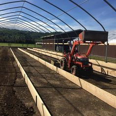 Behind the Scenes at Flyboy Naturals Farm...spring project new greenhouse...filling the raised beds. #flyboynaturals #greenhouse #spring #farmlife #flyboynaturalsrosepetals