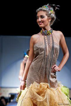 www.cz www.cz www. Sequin Skirt, Swarovski, Sequins, Skirts, How To Make, Fashion, Moda, La Mode, Skirt