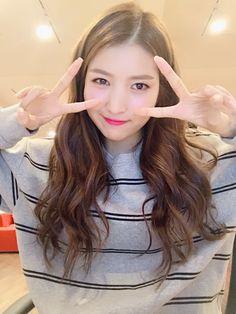 여자친구 GFRIEND (@GFRDofficial) | Twitter South Korean Girls, Korean Girl Groups, Seoul, Gfriend Sowon, G Friend, Age, Kpop Girls, My Girl, Ballerinas