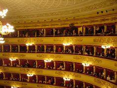 """""""Esco ora dalla Scala. È per me il primo teatro del mondo, perché è quello che procura dalla musica i maggiori piaceri""""."""
