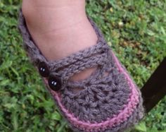 Download Now - CROCHET PATTERN Goodie 2-Strap Baby Shoes - Pattern PDF
