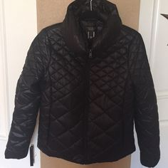 Black puffy coat Cute flattering black puffy coat from Victoria's Secret. Barely worn. Victoria's Secret Jackets & Coats Puffers
