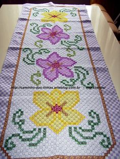 caminho de mesa lilás