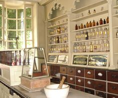 love old timey apothecary/pharmacy stores