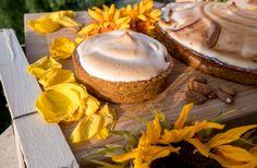 Vegan challenge : La Tarte au Citron Meringuée Vegan Challenge, Cheesecake, Desserts, Food, Lemon Meringue Pie, Recipe, Tailgate Desserts, Deserts, Cheese Cakes