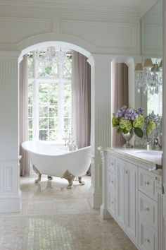 Fairytale Bath Fabulous & classic bathroom - This pretty claw foot tub sits in a niche with a lovely view!Fabulous & classic bathroom - This pretty claw foot tub sits in a niche with a lovely view! Dream Bathrooms, Beautiful Bathrooms, Beautiful Kitchens, Luxury Bathrooms, Home Design, Interior Design, Design Ideas, Design Projects, Layout Design